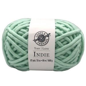 Bundle of 2 mint roving yarn loops & threads